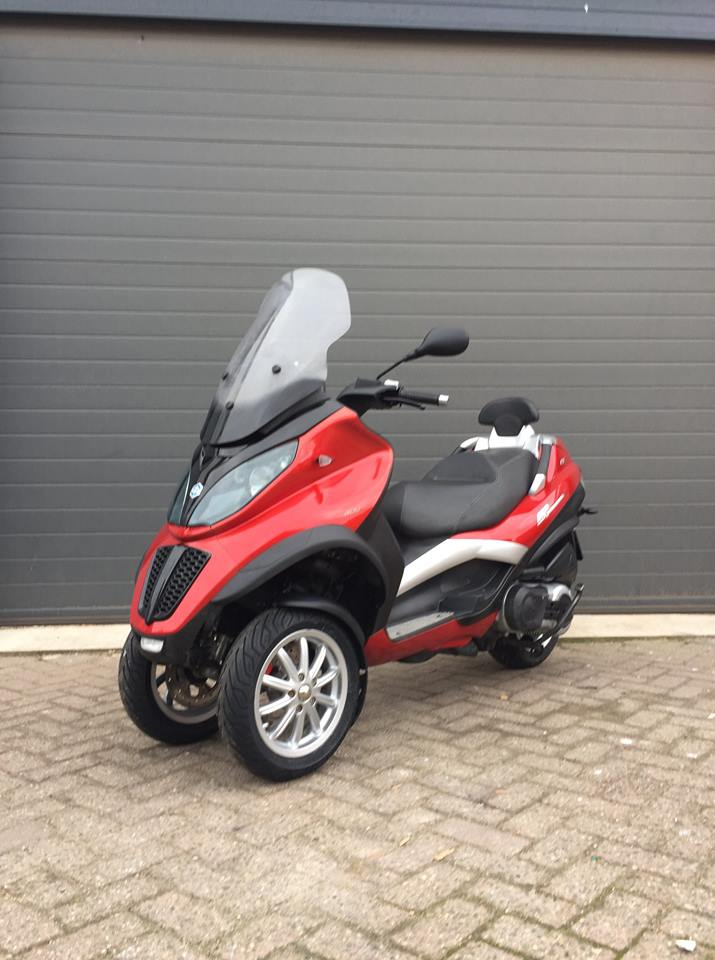 Piaggio Mp3 Custom Clio Rood